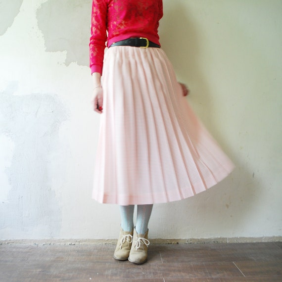 sale 80s pastel pink pleated skirt by retrospectrovintage
