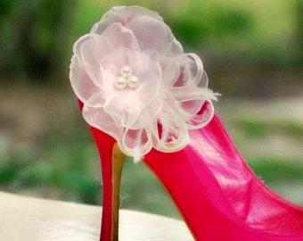 PINK Bridal Shoe Clips. Ivory White Beige Teal Coral Blue. Bride Bridesmaid Fashion Engagement, Feminine Elegant Romantic, Pearl Glass Beads