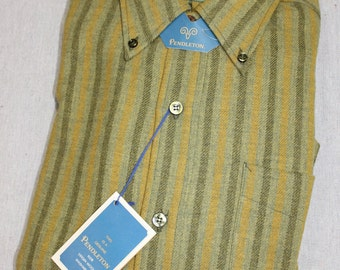 vintage c. 1967 Pendleton Men's long sleeve flannel shirt. 'New Old Stock' w/ tags. Three button collar. Wool. Small