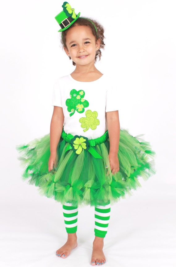 4 clovers and leprechaun costume for kids
