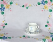 Lovely large vintage tablecloth: hand embroidered and applique cotton table cloth with pretty floral pattern