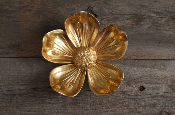 Rare Mid Century Brass Flower Pedal Ashtray / Decor