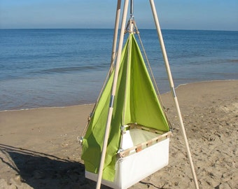 Beautiful wooden stand / tripod for a hanging cradle by Hussh. Now only USD 200,- on www.hussh-cradles.com