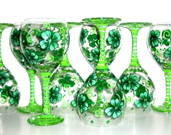 Four Leaf Clovers Shamrocks Hand Painted Wine Glasses Set of 8/ 20 oz Irish Wedding St. Patrick's Day Handpainted Wine Glasses Made To Order