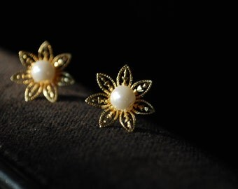Pearl Flower Studs -- Gold Flowers, White Pearls, Gold