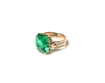 Vintage 14k Rose Gold and Green Glass Ring - Size 5 - Weight 5.6 grams