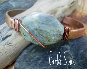 Labradorite gemstone wirewrapped copper Cuff Bracelet, Antique copper, Patina, Earthy Organic Jewelry, bohemian stackable cuff, Rustic