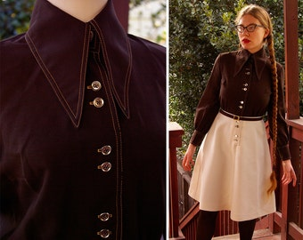 MONTMARTRE 1960's 70's Vintage Dark Brown & Cream Polyester Dress with Large Collar // by A Loretta // size Small