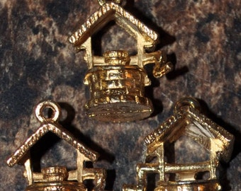 Vintage Wishing Well Charms (4)
