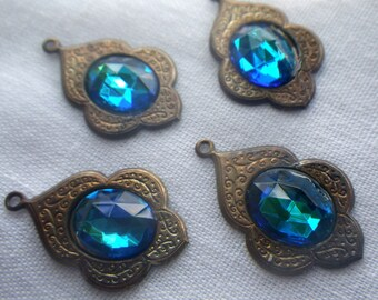 Moorish Drops with Bermuda Blue 10x8mm Rauten Rose Glass 4 Pcs