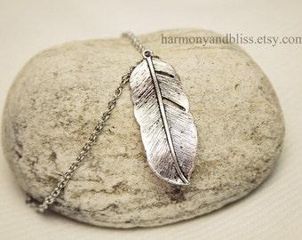 Feather bracelet, silver feather bracelet, Boho style jewelry, feather charm bracelet, boho bracelet, silver feather charm, feather bracelet