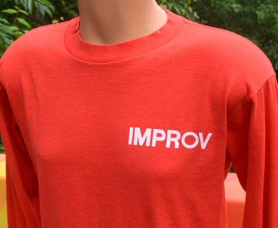 80s vintage t-shirt IMPROV theater nyc new york hells kitchen comic long sleeve tee shirt Medium Large red