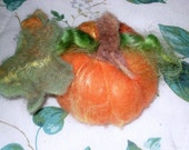 Needle Felting Kit / Gourmet Felted Pumpkin Kit / Learn to Needle Felt  / DIY Craft Kit / Needlecraft Tutorial / home decor