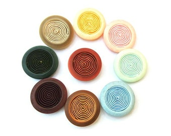 54 Vintage buttons with inside thread 28mm 9 colors, 6 buttons of each color