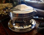 Waffle Iron 1920's made by Universal Landers Frary & Clark F9324A Decorated Dome Top TYCAALAK