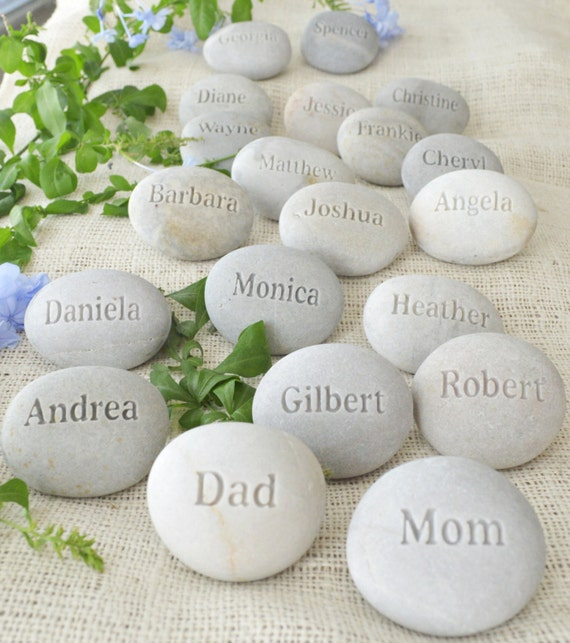 Personalized Wedding Favors gift with Guests' Names - Set of 80 engraved rocks by sjEngraving