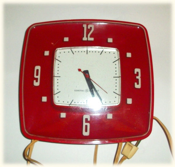 Retro Electric Kitchen Wall Clocks: Red Midcentury Modern General Electric Kitchen