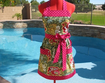 Sassy Gothic Rose Apron with  Towel Loop, Amy Butler's Belle, Womens Misses and Plus Sizes, Kitchen Diva, Full, Handmade