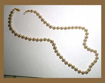 Vintage Glass Pearl Necklace VJE10013