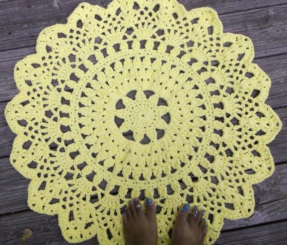 "Yellow Cotton Crochet Doily Rug in 30"" Circle Lacy Pattern Non Skid"