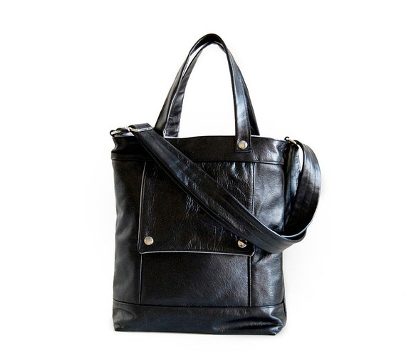 SALE - Packet in Black Leather - LAST ONE - Ready to Ship