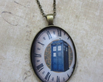 Dr Who - Time Lord Tardis necklace