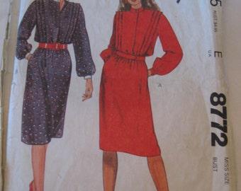 VINTAGE 8772 McCalls Clothing Dress Sewing Pattern