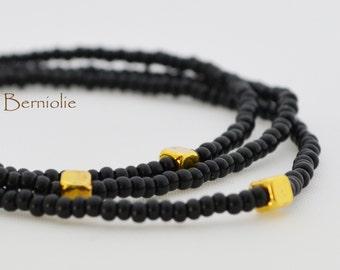 Beaded bracelet, black glass seedbeads 2mm, stretchy, 7.5 inch, S29