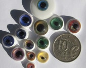 HOLD for Itarieldesign Handmade lampwork glass teensy eyeball cabochons grab bag - Free post  sra NM116