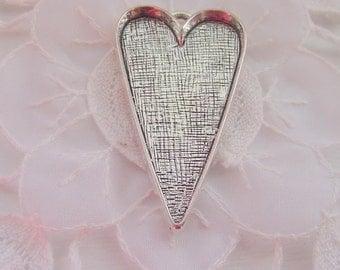 5 Extra Large Heart Pendant Blanks (AE610)