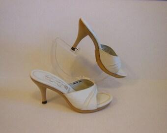 60s shoes / Hot Italian Vintage 1960's Platform Wood High Heels Mules