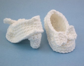 Crochet Baby Booties NEWBORN  White High Heeled Shoes  with Bow Baby Shoes