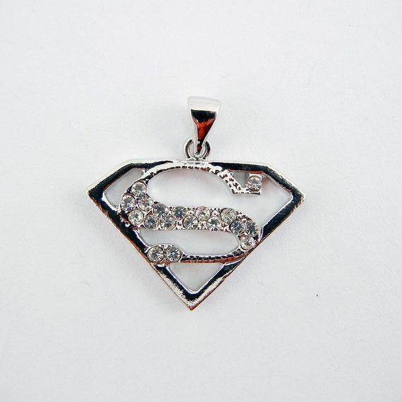 superman superwoman symbol pendant silvertone by