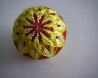 Mini hand made Temari(red,yellow)