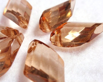 Light Amber Acrylic Faceted Diamond Shaped Baroque Briolets Charms Beads Dangles Pendants Reclaimed A4