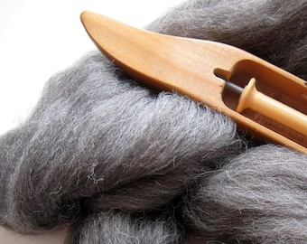 Ecru/Undyed/Natural Gray Shetland wool roving (combed top), spinning fiber - 4 ounces