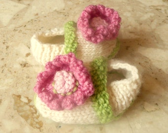 Baby Booties Knitting Pattern -  Baby Flower Power Shoes -