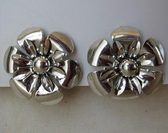 Flower Earrings Silver Clip Vintage