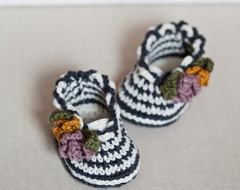 Crochet PATTERN - Striped Flower Bouquet Shoes