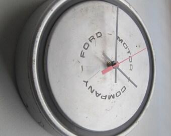 1982 Ford Truck Hubcap Clock no.2518