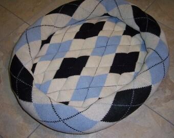 SALE - Argyle Sweater Pet Bed