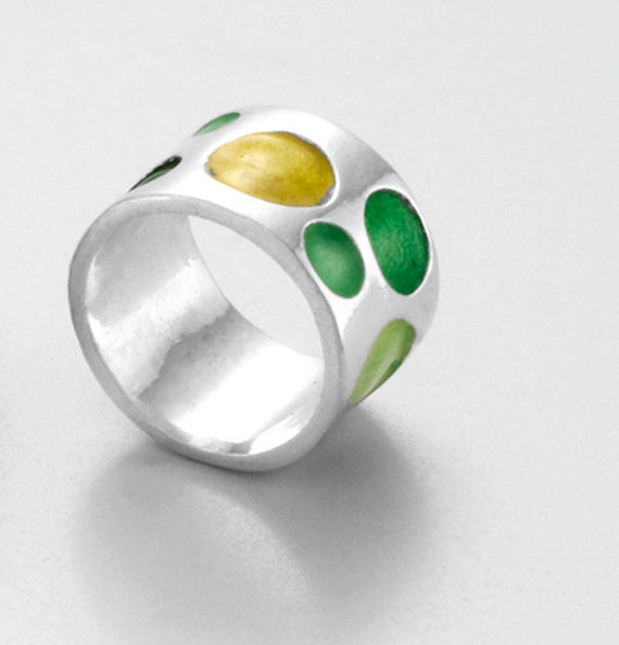 GREEN CIRCLES RING