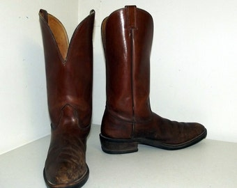 Broken In Brown Cowboy boots - Nocona brand -  size 10 D or cowgirl size 11.5