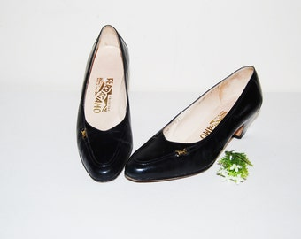 Vintage Shoes Salvatore Ferragamo Pumps with Logo
