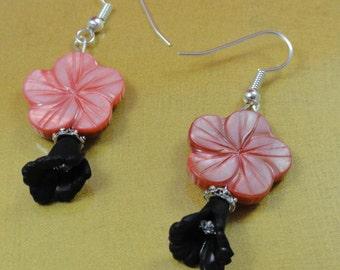 Hawaii Mood Pink and Black Flowers Earrings
