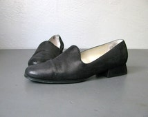 vintage '80s black SAM & LIBBY faux-SEQUIN leather loafers. size 6.5.