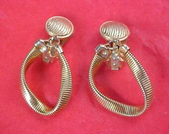 ARTICULATE Gold Plate Mesh Clip Earrings