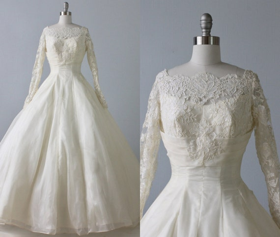 1950s Wedding Gown: RESERVED 1950s Wedding Dress / 1950s Lace Wedding Gown / Long