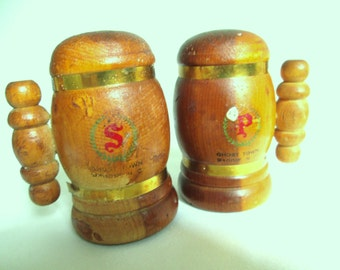 Wood Salt Pepper Shakers Vintage Mountain Cabin Ghost Town Maggie Valley NC Great Smoky Mtn Tourist Souvenir Memento 60s Kitsch Wooden Cedar