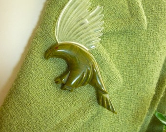 1940s American  Eagle Brooch BAKELITE & Lucite WWII Victory Patriotic USA